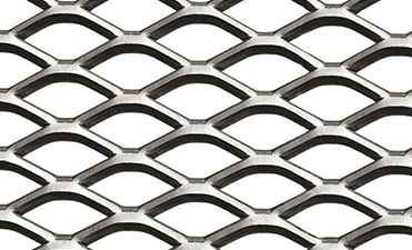 Expanded metal Mesh can be unflattened or flattened in order to obtain a flat and smooth surface.
