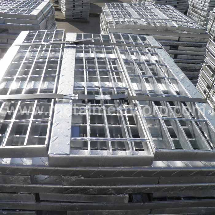 Traction Tread Steel Grating Stair