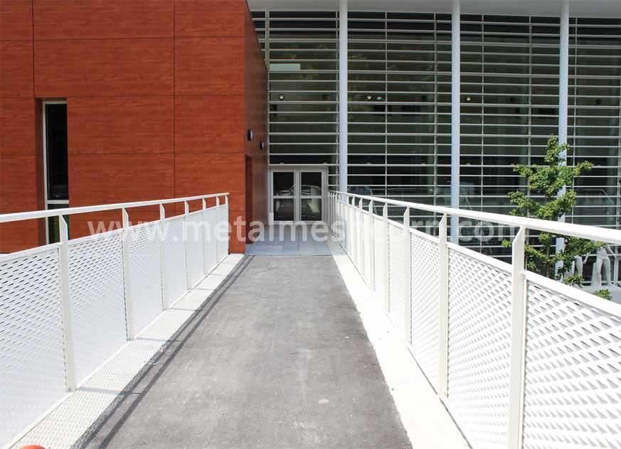 Expanded Mesh Railings for Bridge