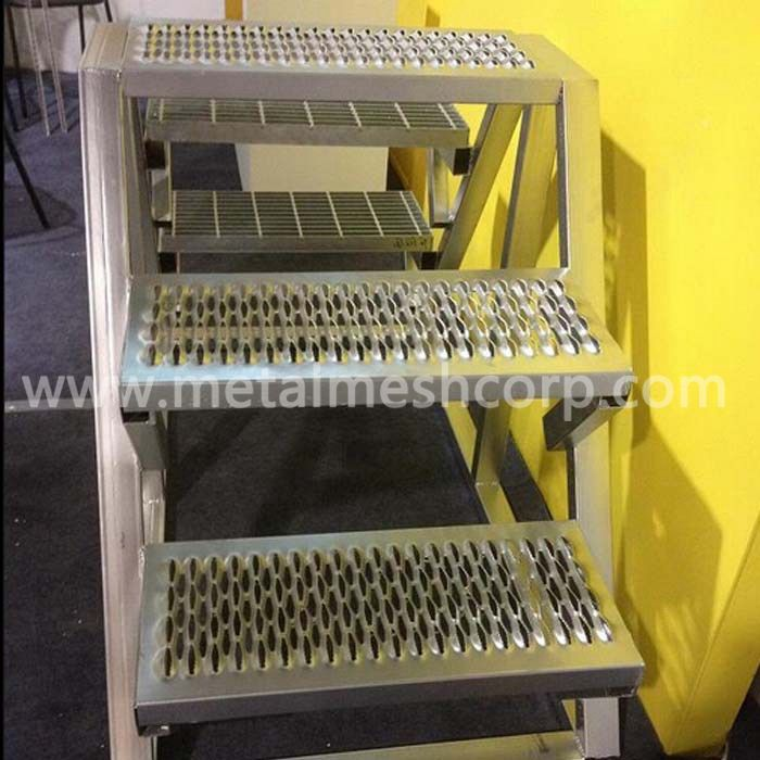 Diamond Safety Grating Stair Treads