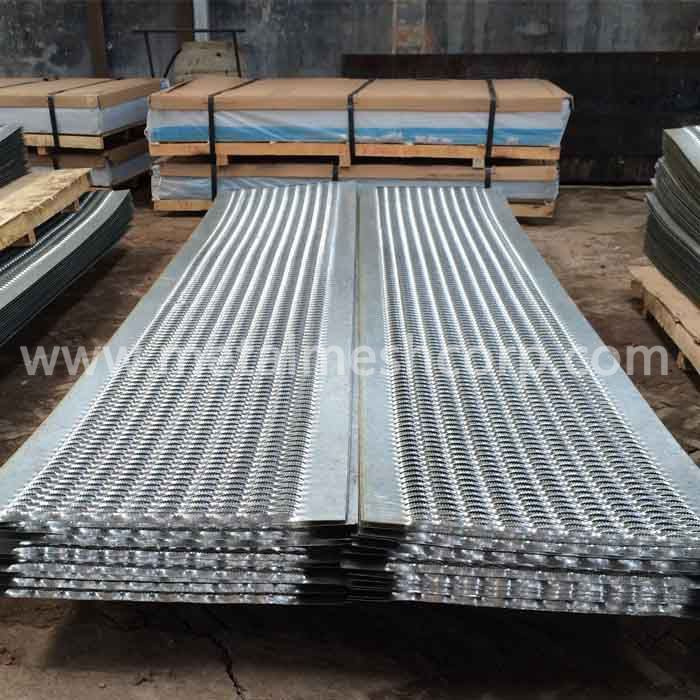 Diamond Metal Safety Grating Walkway