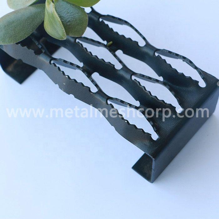 Black Powder Coated Grip Strut Gratings