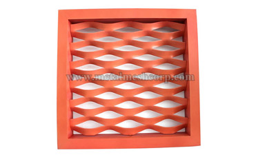 The Aluminum Expanded Metal Mesh curtain wall is the outer wall of the building.